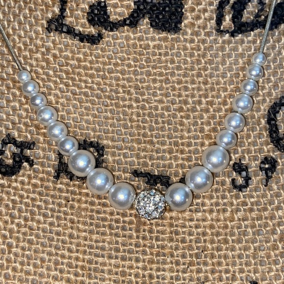 NWT- Silver Crystals & Pearls Dainty Necklace